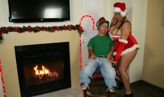 Selena Star seduces a midget dressed as an elf